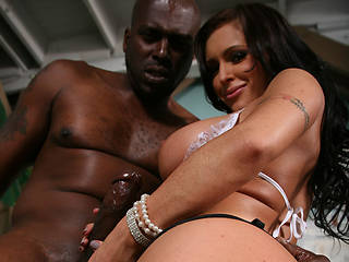 Jenna Presley BTS from BehindTheScenes