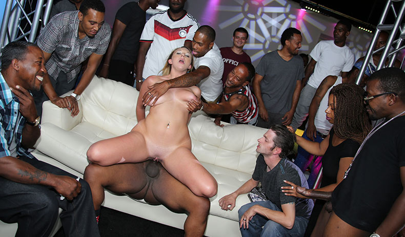 cuckold in club