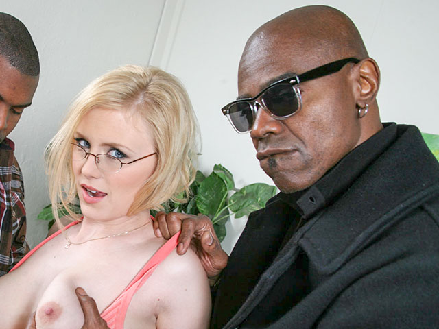 Sean Michaels from BlacksOnBlondes.com