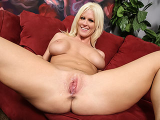 Kaylee Brookshire from BlacksOnBlondes.com