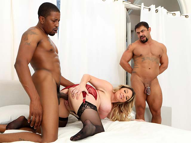 Kiki Daire from CuckoldSessions.com