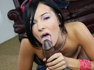 ashli-orion-interracial-love-black-dick-while